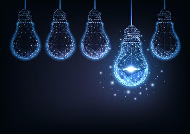 Crudo futuristico delle lampadine elettriche poligonali basse d'ardore su fondo blu scuro.