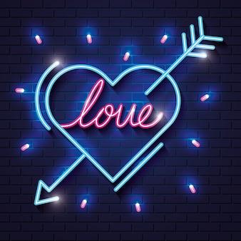 Cuore con scritta amore per le luci al neon