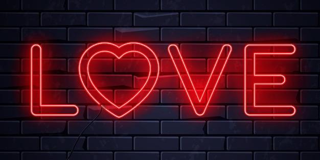 Cuore di amore al neon illuminato
