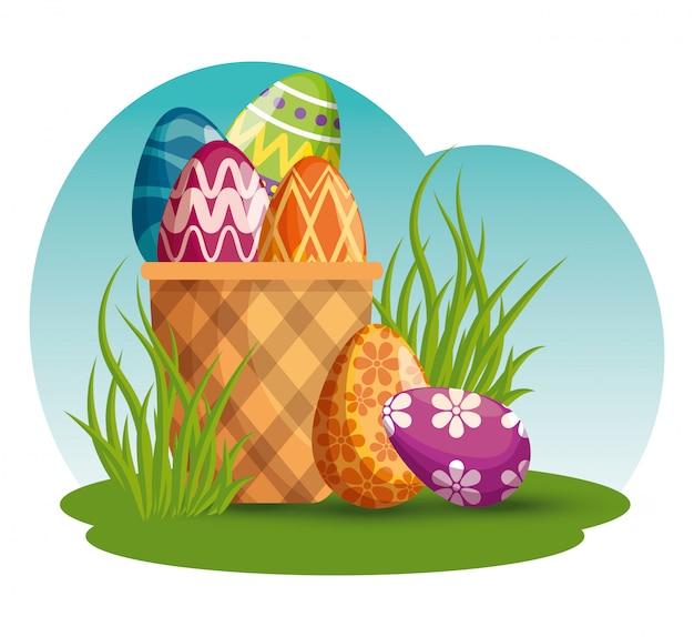Decorazione delle uova di pasqua nel cestino all'evento