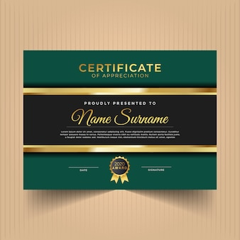 Design del certificato certificato per risultati con linee d'oro