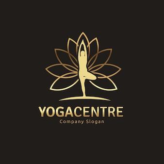 Design dorato di yoga logo