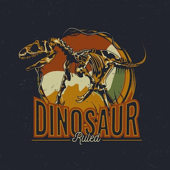 Design etichetta t-shirt tema dinosauro con illustrazione di ossa di dinosauro invecchiate