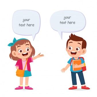 Dialogo dell'aerostato della ragazza e del ragazzo del bambino sveglio felice