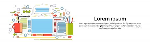 Digital designer tool on workplace tablet con disegno a penna modello di banner orizzontale processo creativo