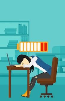 Dipendente che dorme sul posto di lavoro