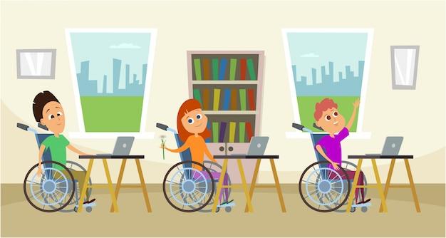 Disabili in sedia a rotelle seduto al banco della scuola.