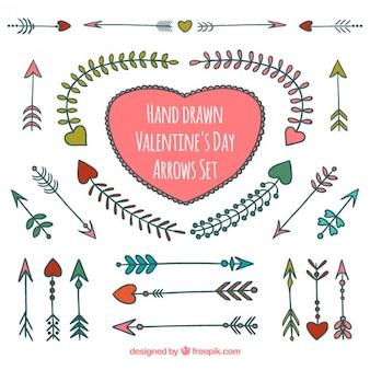 Disegnati a mano di san valentino frecce al giorno