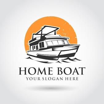 Disegno del modello di casa barca logo. tramonto e immagine della barca.