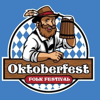 Distintivo dell'oktoberfest con uomo anziano e birra
