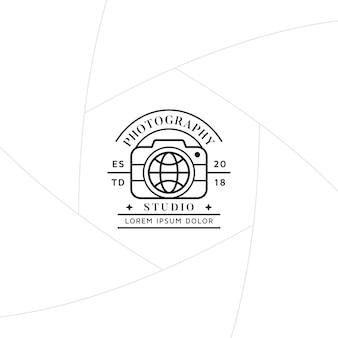 Distintivo di fotografia di viaggio o design di etichette