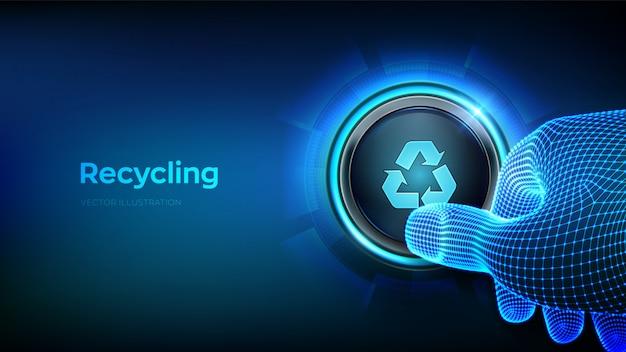 Dito del primo piano circa per premere un pulsante con il riciclaggio del simbolo.