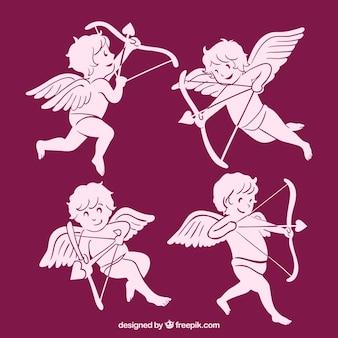 Diversi amorini rosa con freccia e l'arco