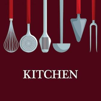 Diversi utensili da cucina appesi