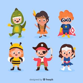 Divertente e simpatico set di bambini in costume di halloween