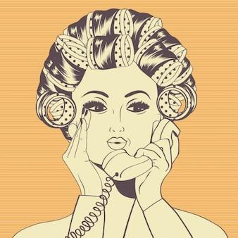 Donna con i bigodini nei capelli che comunica al telefono
