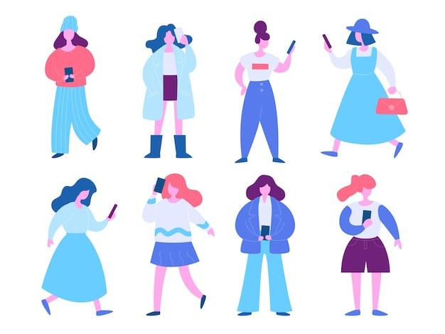 Donna con l'insieme dell'illustrazione del telefono cellulare