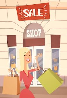 Donna del fumetto con la borsa della spesa grande vendita di banner retial store