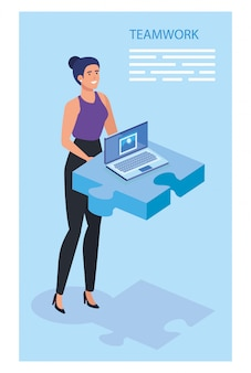 Donna di affari con il pezzo e il computer portatile di puzzle