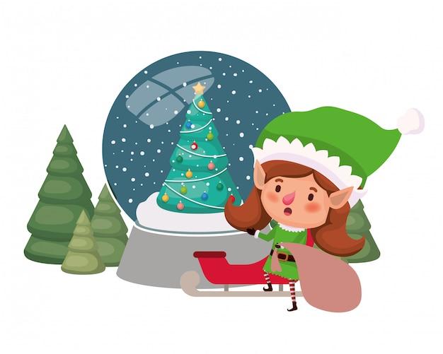 Donna elfo con slitta e sfera di cristallo