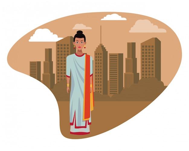 Donna indiana che indossa abiti tradizionali indù