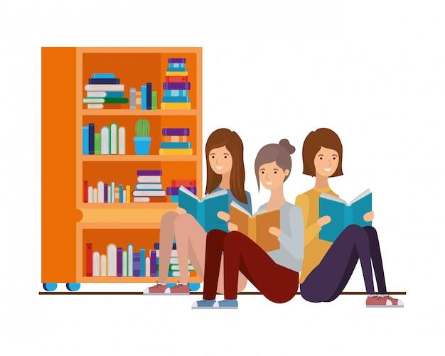 Donne che si siedono con il libro in mano