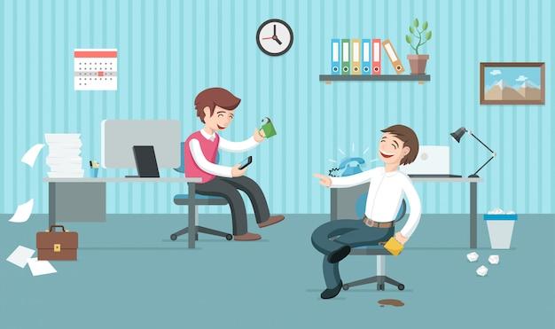 Due impiegati pigri hanno molto lavoro ma si divertono e bevono caffè. giorni di ufficio. illustrazione di vettore piatto pausa caffè