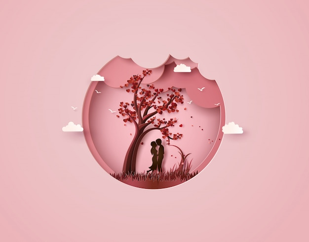 Due innamorati sotto un albero dell'amore