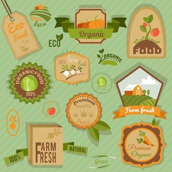 Eco fattoria fresca cibo biologico etichette e emblemi set illustrazione vettoriale isolato