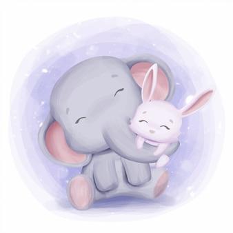 Elefante della madre che abbraccia coniglio con amore