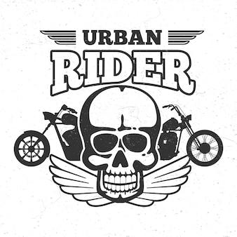 Emblema vintage da moto club con moto e teschio