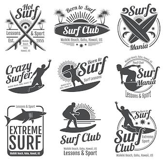 Emblemi d'epoca del club di surf. tavola da surf su segni d'onda
