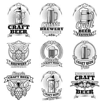 Emblemi di vettore di pub birra retrò. etichette di fermentazione tradizionali d'epoca