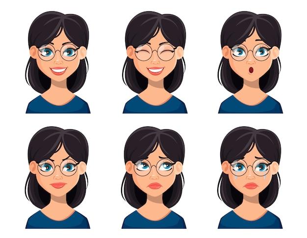 Espressioni del viso della bella donna con gli occhiali