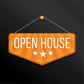 Etichetta di casa aperta appesa a una puntina da disegno