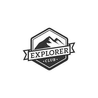 Etichetta vintage, distintivo, logo o emblema della montagna