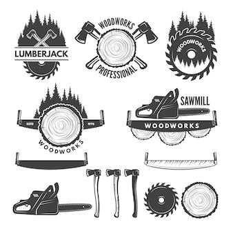 Etichette monocromatiche con boscaiolo e immagini per l'industria del legno