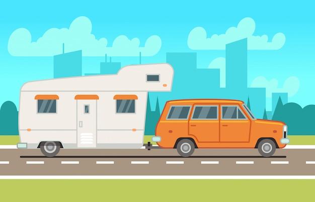 Famiglia camper camper rimorchio su strada