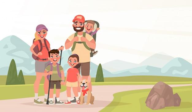 Famiglia felice ed escursioni. padre, madre e figli viaggiano attraverso le montagne. trekking nella natura