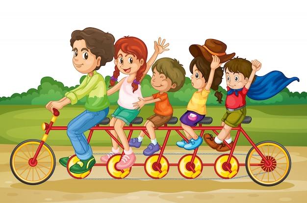 Famiglia in bicicletta tandem