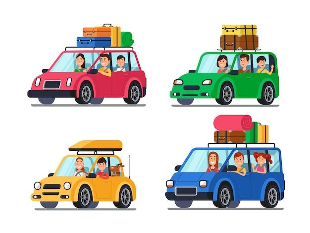Famiglie che viaggiano in auto
