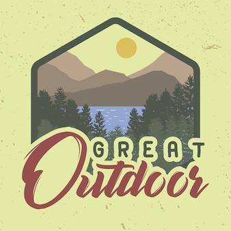 Fantastico slogan per t-shirt alla moda all'aperto con nature view.