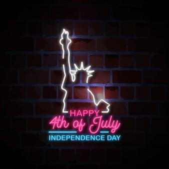 Felice 4 luglio con l'illustrazione del segno di stile al neon della statua della libertà
