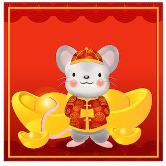 Felice anno nuovo cinese, l'anno del ratto. simpatico personaggio dei cartoni animati di ratto in un abito tradizionale cinese circondato da lingotti d'oro