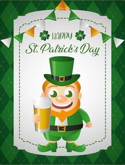 Felice leprechaun irlandese con un biglietto di auguri di birra