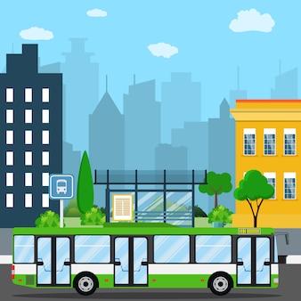 Fermata dell'autobus in città