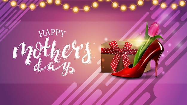 Festa della mamma saluto carta rosa con ghirlanda