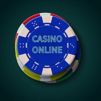 Fiches da poker casinò su sfondo blu scuro. casinò online, poster del blackjack.