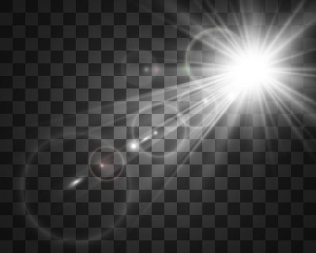 Flash lente speciale, effetto luce. il flash lampeggia raggi e proiettore. illust. luce bianca incandescente. bellissima stella luce dai raggi. il sole è in controluce. bella stella luminosa. luce del sole. bagliore.