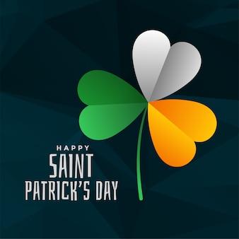 Foglia di trifoglio in colori bandiera irlandese per il giorno di san patrizio